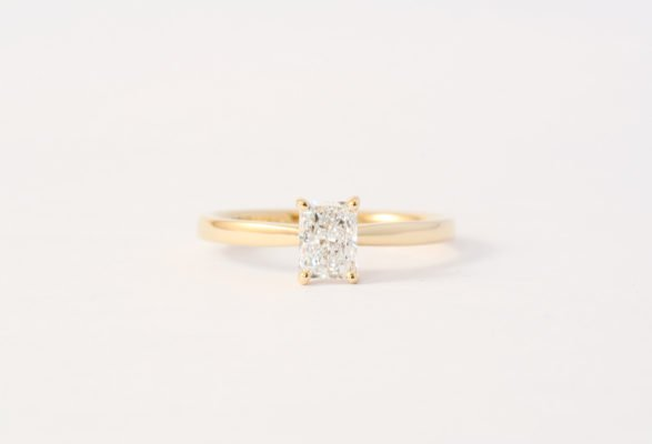 18ct yellow gold with radiant cut diamond