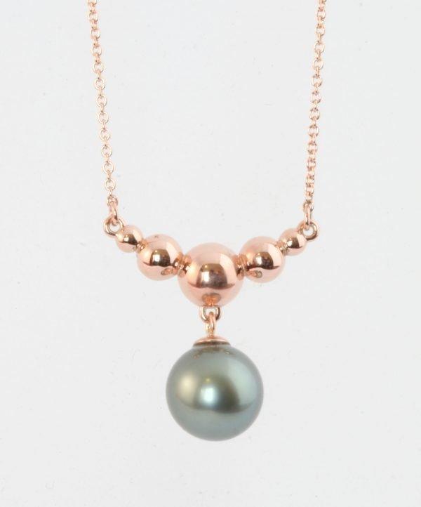 Aretha pendant